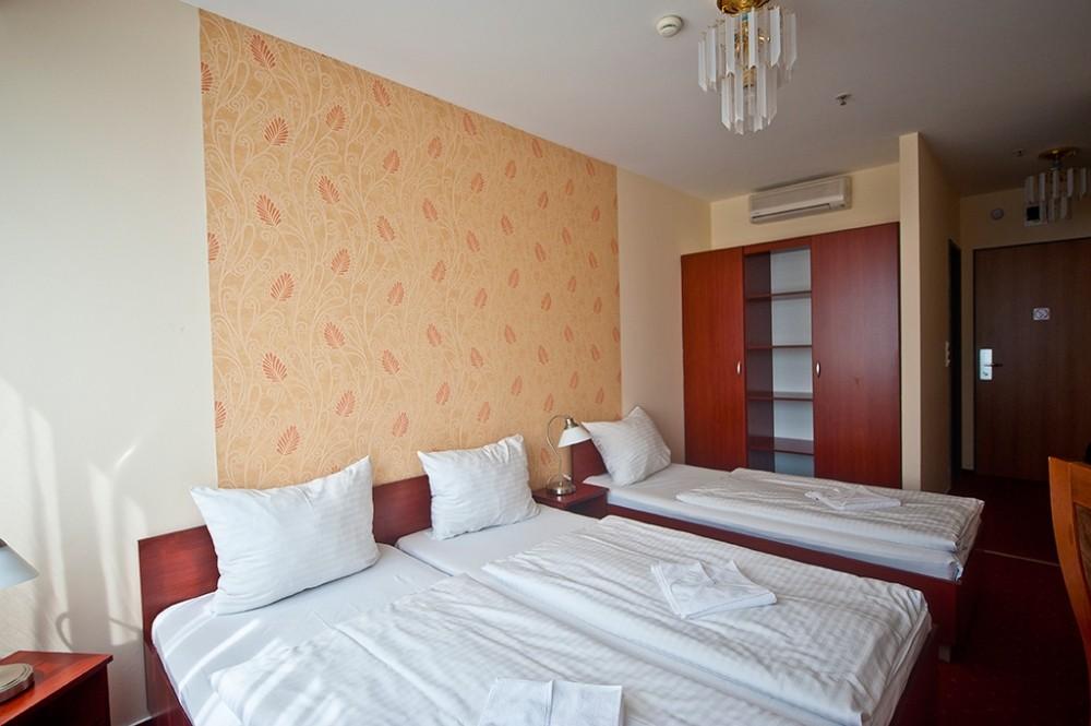 Canada Hotel Budapest 3*