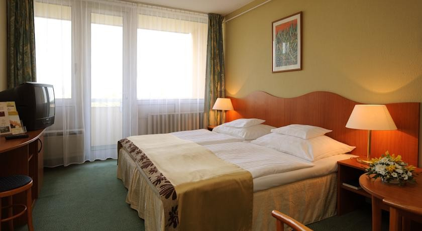 Hunguest Hotel Helios 3* Superior