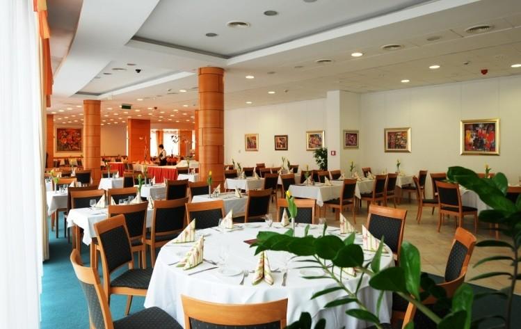 Hunguest Hotel Aqua-Sol 4*