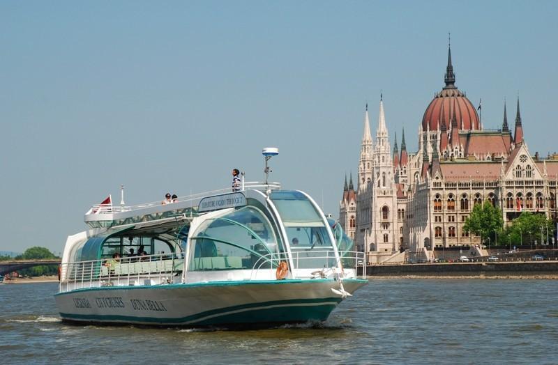 Дневная прогулка по Дунаю на катере «Duna Bella» Duna Bella